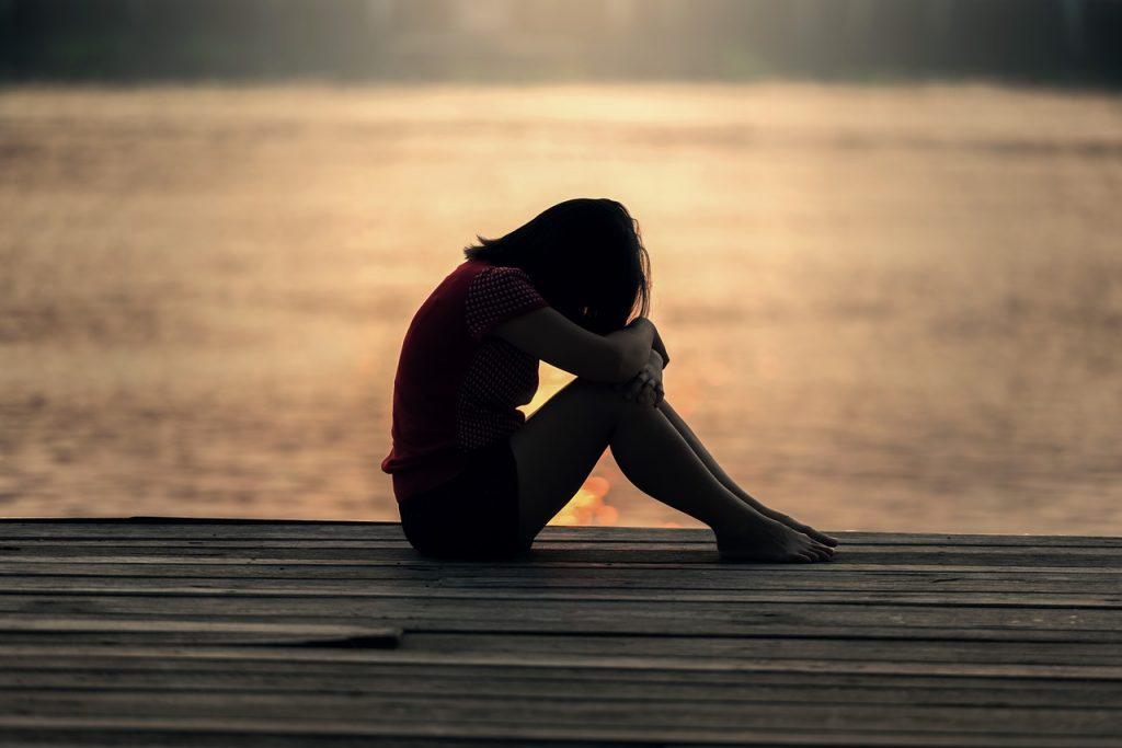 失恋後は誰もが「現実逃避」に陥りやすい!