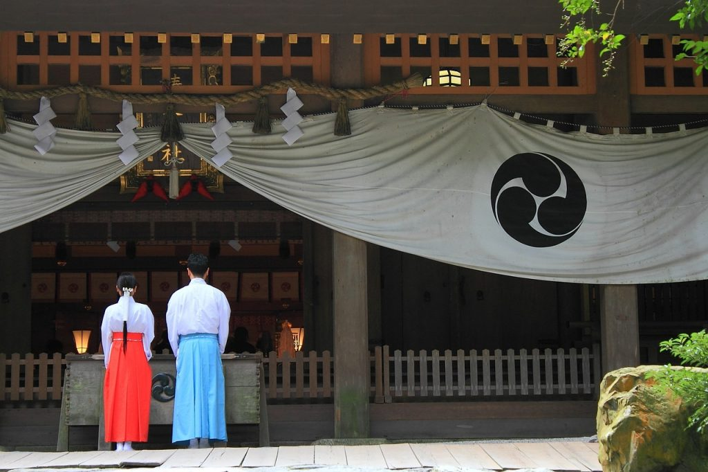 氷室神社で復縁を成就させる「参拝作法」