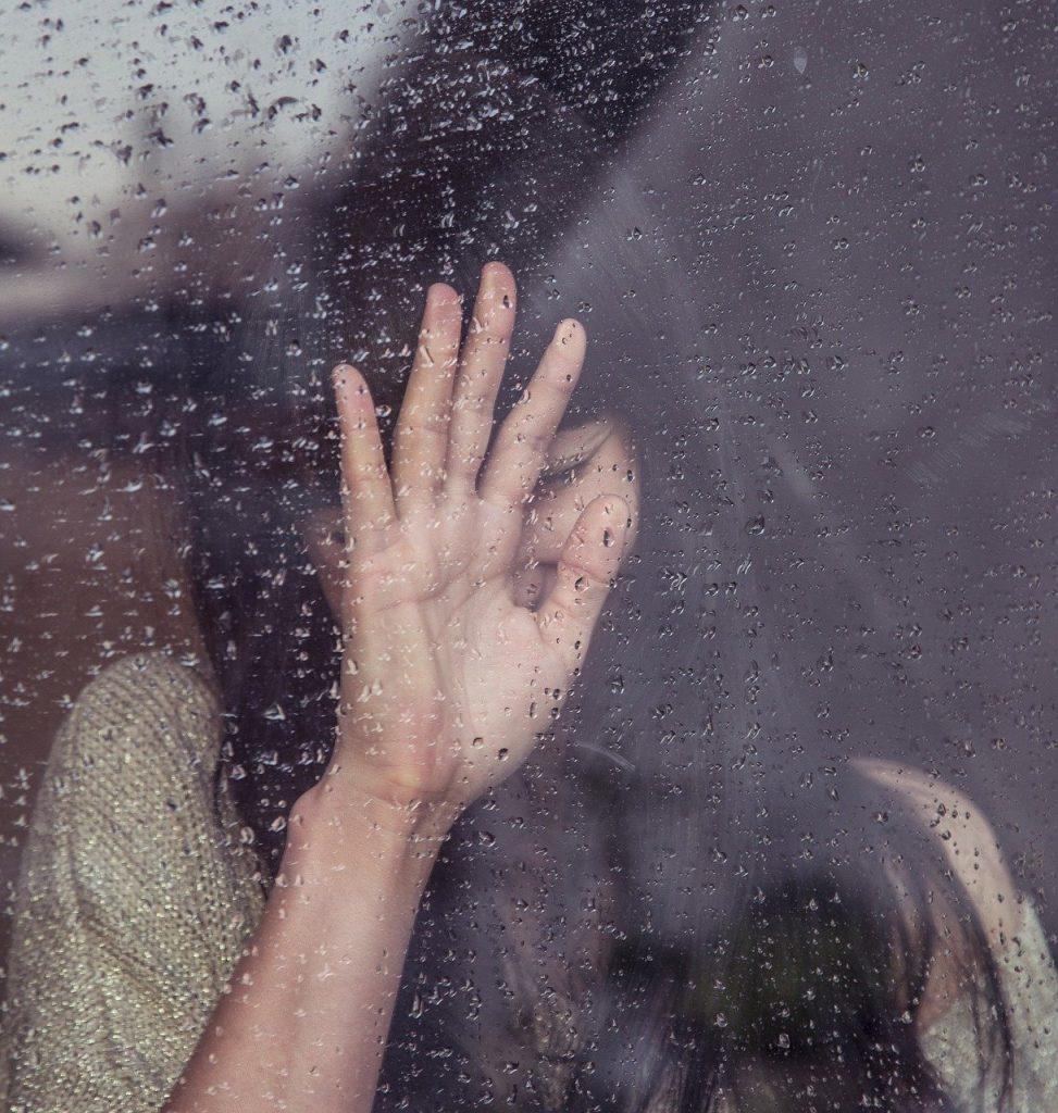 女性が失恋後に無気力になりやすい理由
