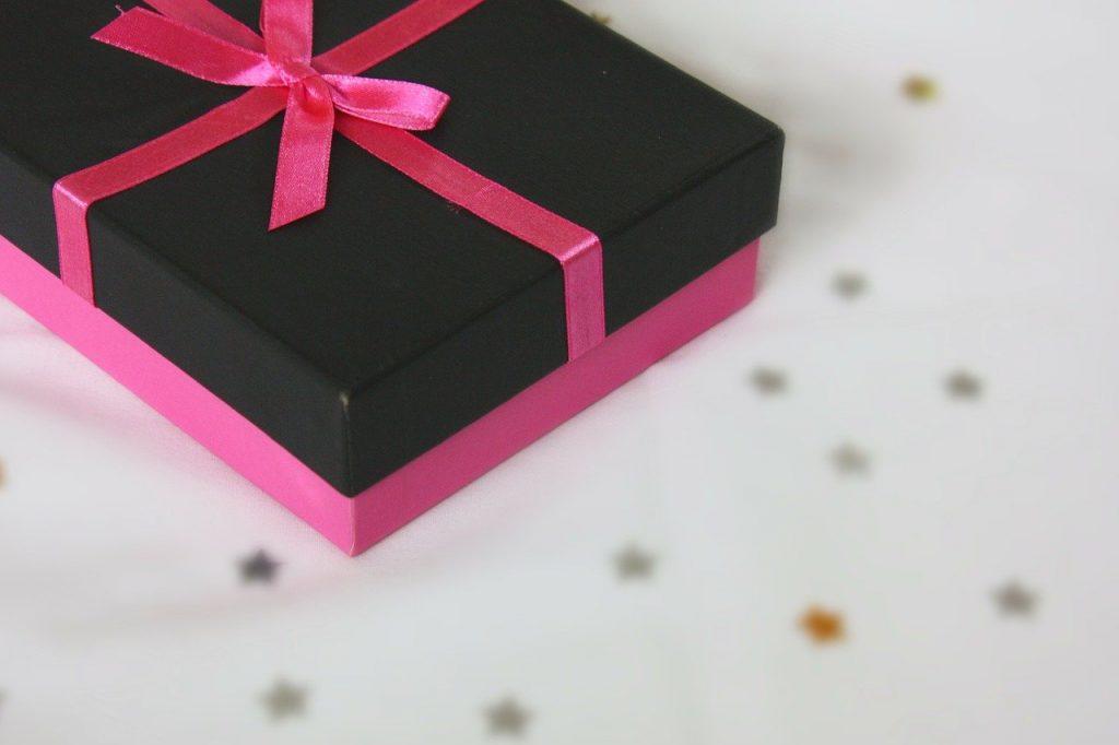 元カノからのプレゼント、男性的に嬉しい?