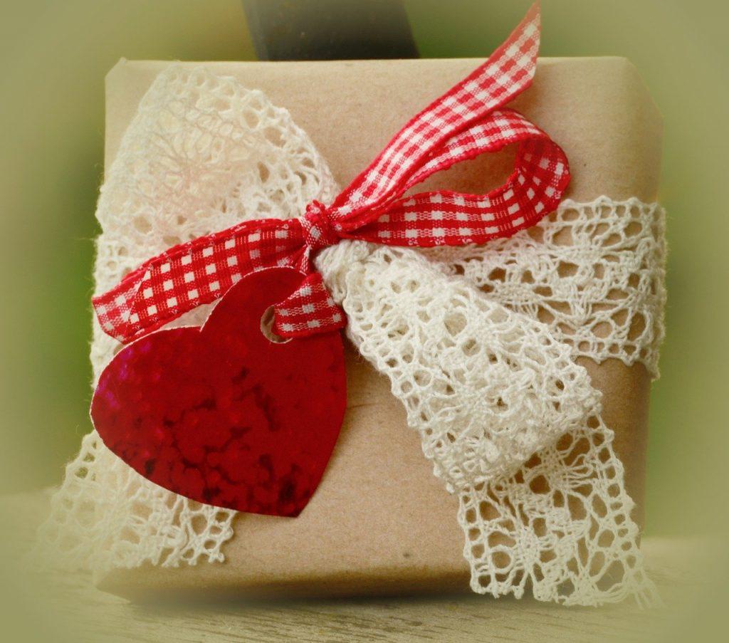復縁を意識させるプレゼントの渡し方